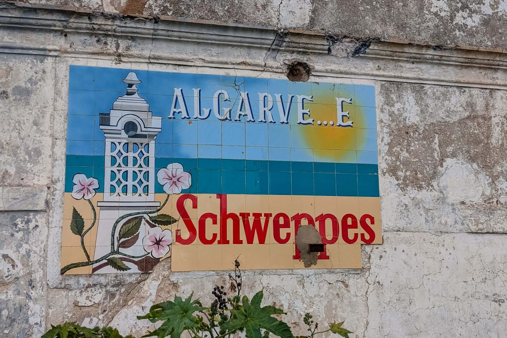Schweppes Sign Algarve