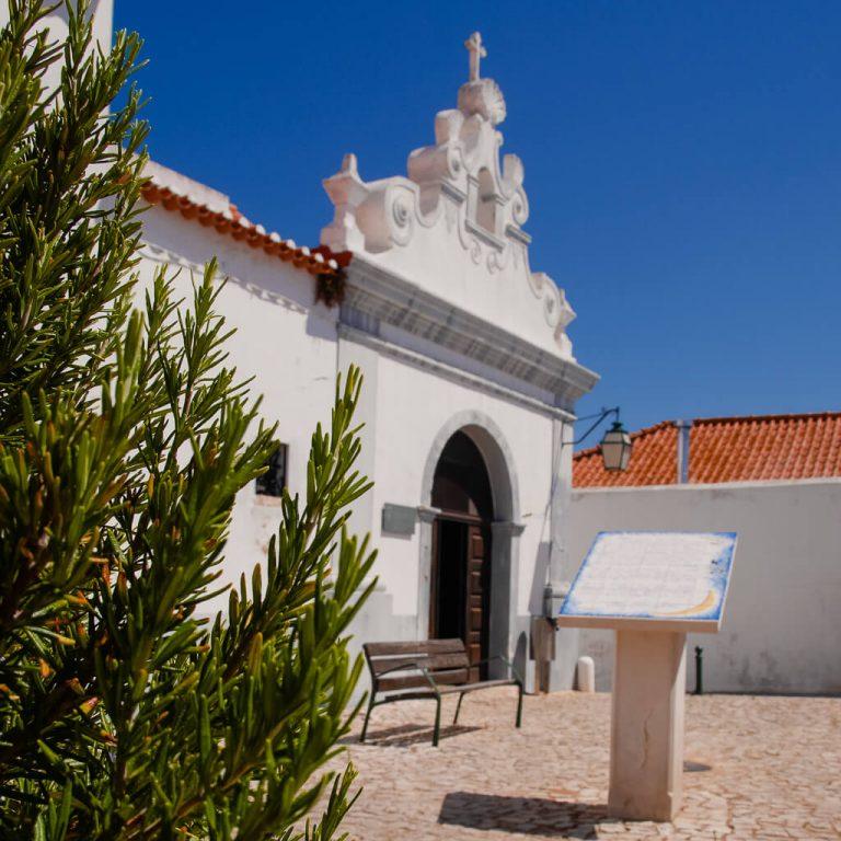 Capela dos Ossos: Chapel of Bones in Alcantarilha