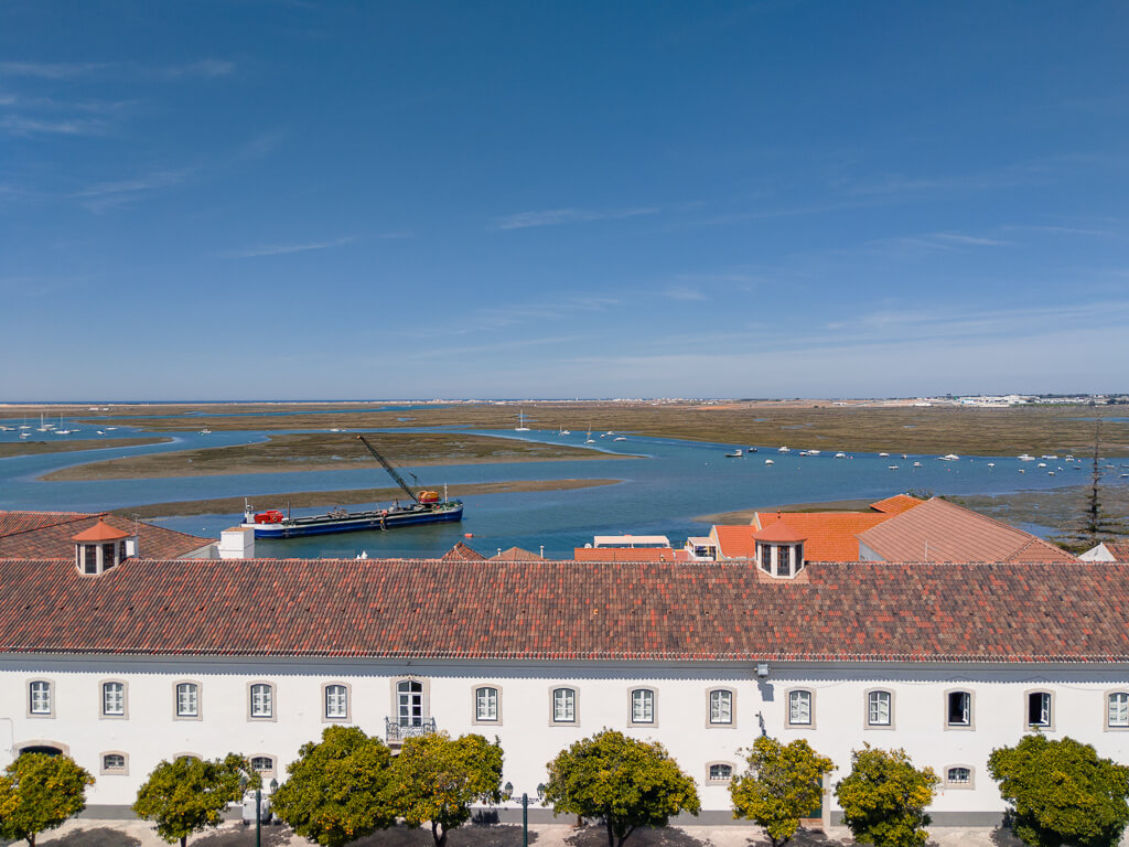 Faro: The Complete Guide to Faro, Portugal